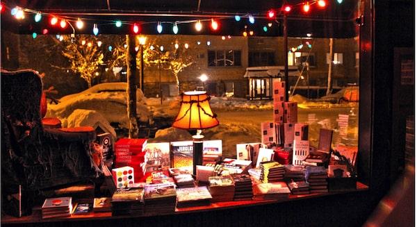 Wild Rumpus Books Facebook cover photo